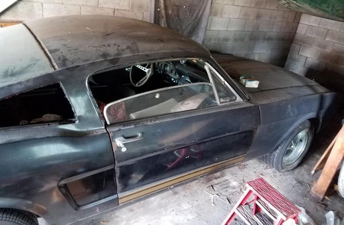 Rare Shelby GT350H found in pensioner's garage