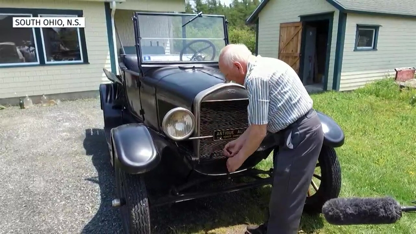 87-year-old still hand-cranks the 1927 Ford Model T he's owned for 70 years