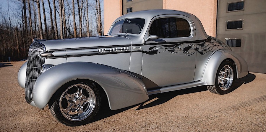 Stretched 1936 Oldsmobile 3-Window Wears Mercedes-Benz Metallic Paint
