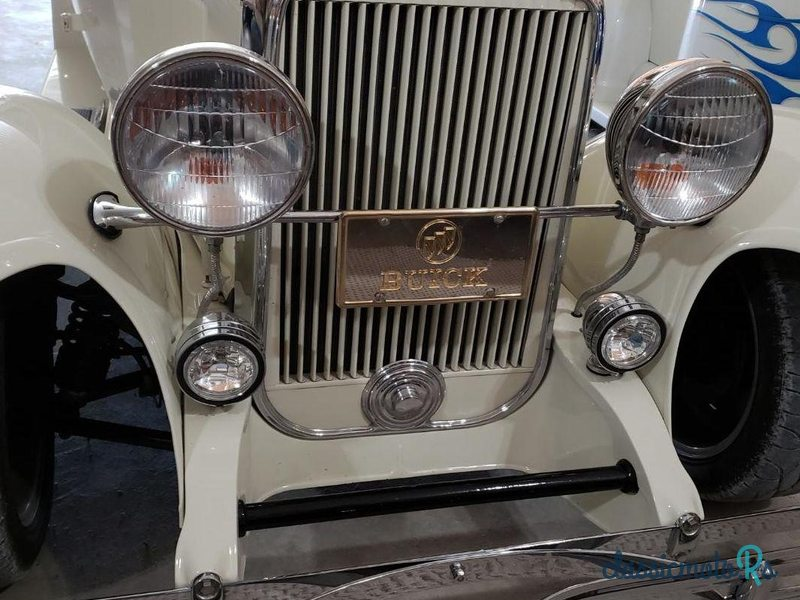 1930 Buick in Indiana, the World