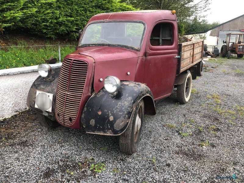 1951 Ford Pickup in Ireland - 5