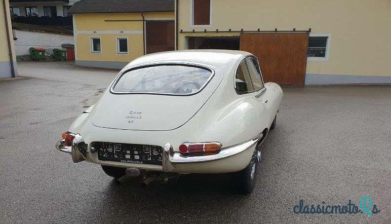 1968 Jaguar E-Type in Austria, the World