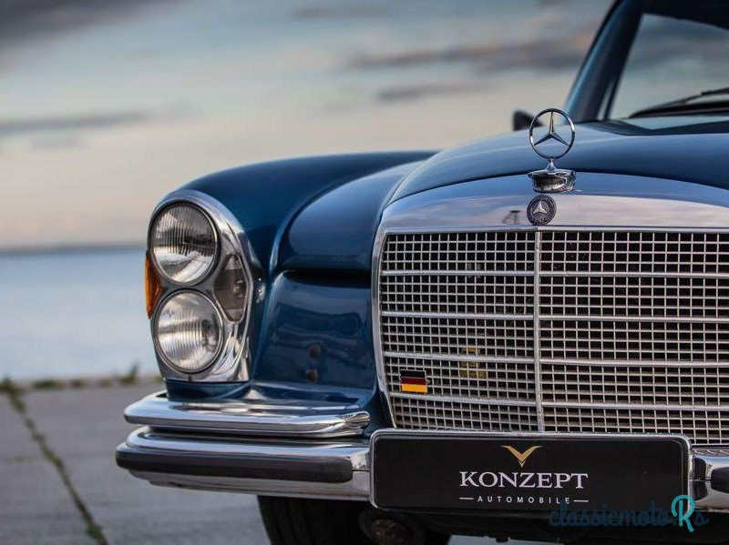 1970 Mercedes-Benz 280 Se in Portugal, the World