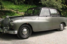1961' Daimler Majestic Major
