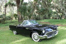 1957' Ford Thunderbird