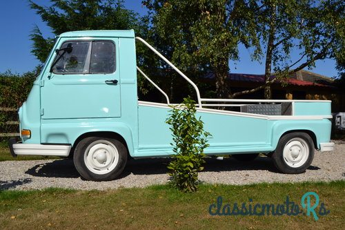 1974 Renault estafette in Yorkshire, Alle