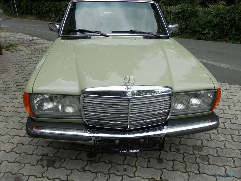 1976 Mercedes-Benz 240 D W123 in Austria