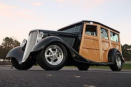 1933' Ford Deluxe