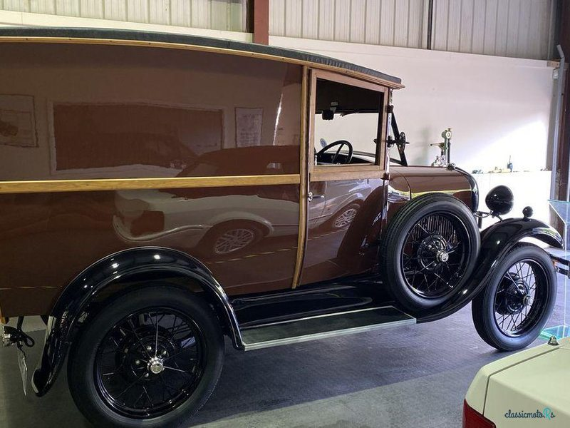 1929 Ford Model A in Nottinghamshire - 3
