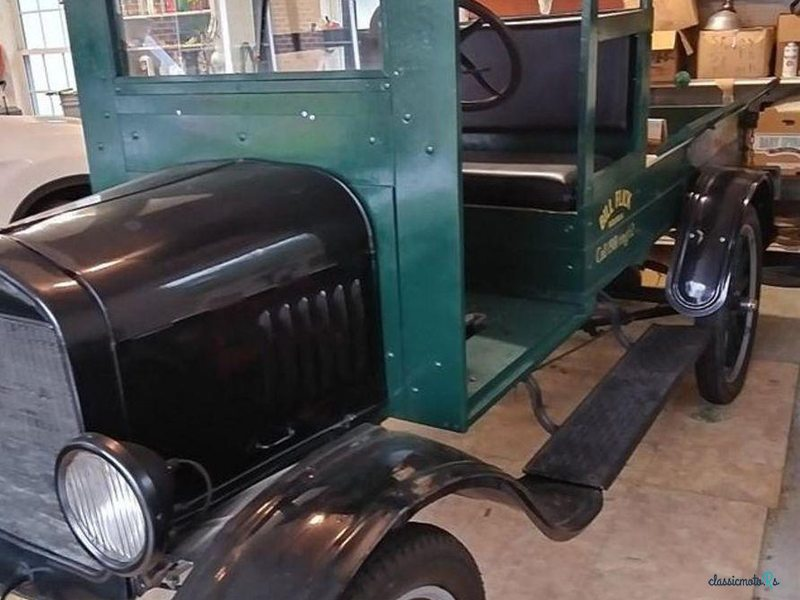 1924 Ford Model T in United States - 4