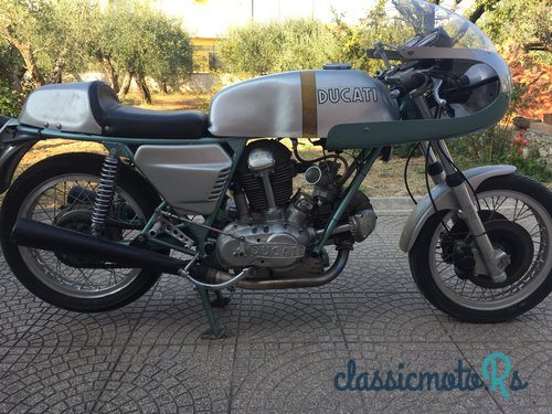 1971 Ducati 750SS in Italy, the World