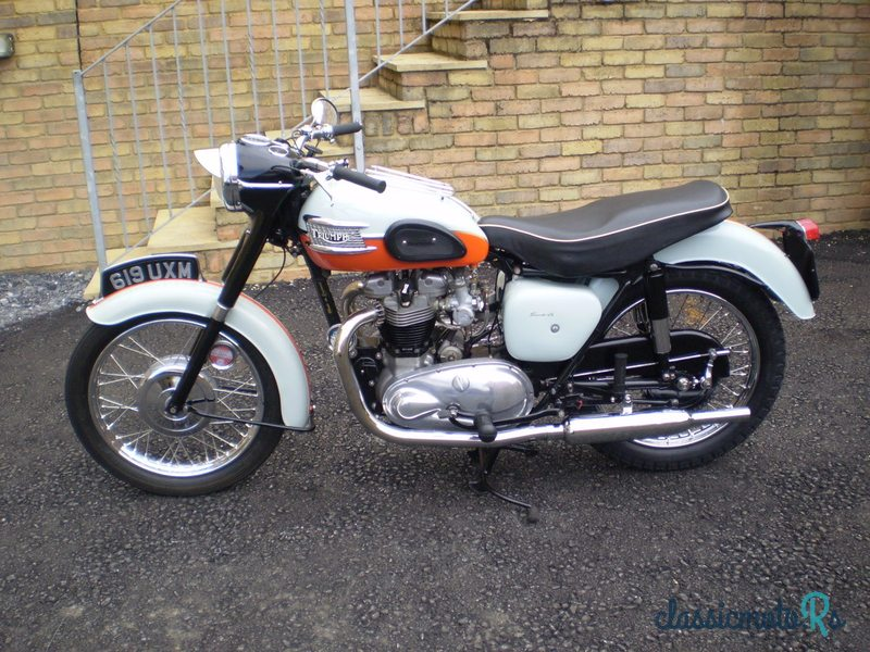 1959 Triumph in Wales, the World