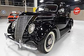 1935' Ford Deluxe